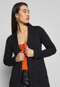 ONLY - ONLBAKER - Krátký kabát - black - 4