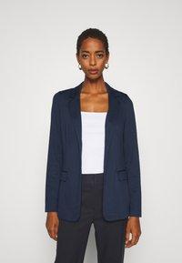 Vero Moda Tall - VMJILLNINA - Blazer - navy blazer - 0