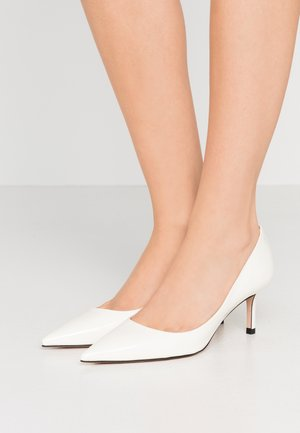 INES - Klassiske pumps - open white