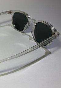 Meller - BANNA - Sunglasses - minor olive - 5