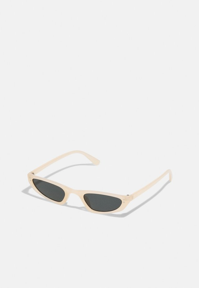 CAT EYE UNISEX - Zonnebril - cream