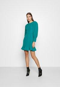 Closet - PEP HEM PENCIL DRESS - Shift dress - blue - 1