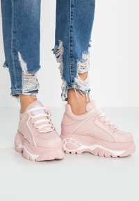 Buffalo London - Tenisky - baby pink - 0