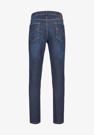 MIT HIGH-STRETCH - Slim fit jeans - mittelblau 142