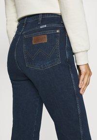 Wrangler - WILD WEST - Straight leg jeans - canyon lake - 6