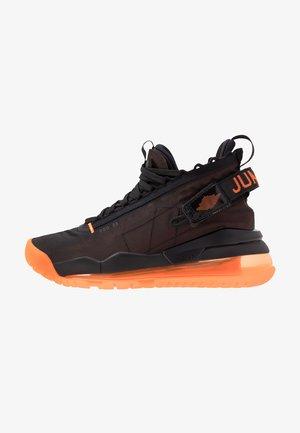 PROTO MAX 720 - Sneakers alte - dark russet/total orange/black