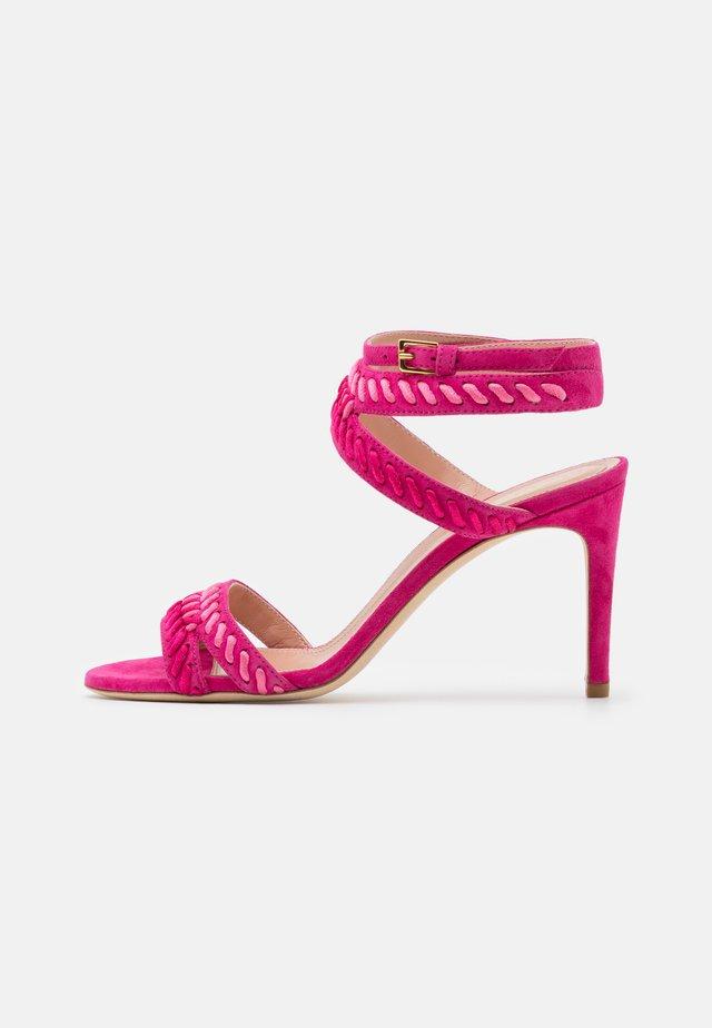 Sandalen met hoge hak - fucsia