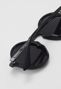 McQ Alexander McQueen - SUNGLASS UNISEX - Sunglasses - grey/black - 4