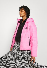 Nike Sportswear - CORE  - Lehká bunda - beyond pink/white/black - 3