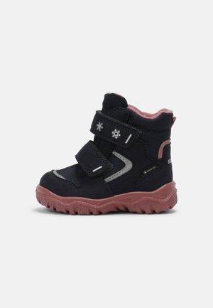 HUSKY - Snowboot/Winterstiefel - blau/rosa