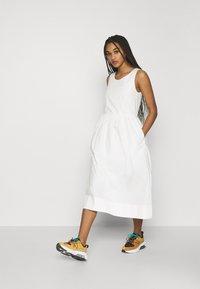 Wood Wood - TENNA DRESS - Vestito estivo - off-white - 1