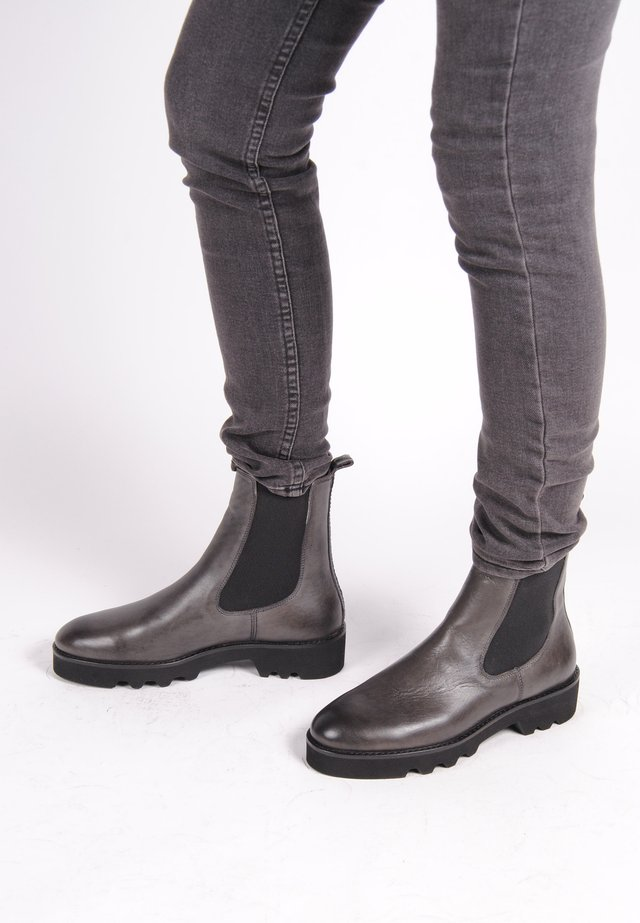 CHELSEA BOOT LUCY CHELSEA BOOT - Classic ankle boots - gray