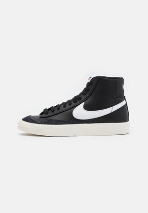 BLAZER MID '77 - Höga sneakers - black/white/sail/team orange