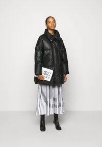 MM6 Maison Margiela - Down coat - black - 1
