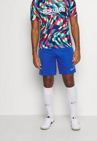 Nike Performance - SHORT - Sports shorts - game royal - 0