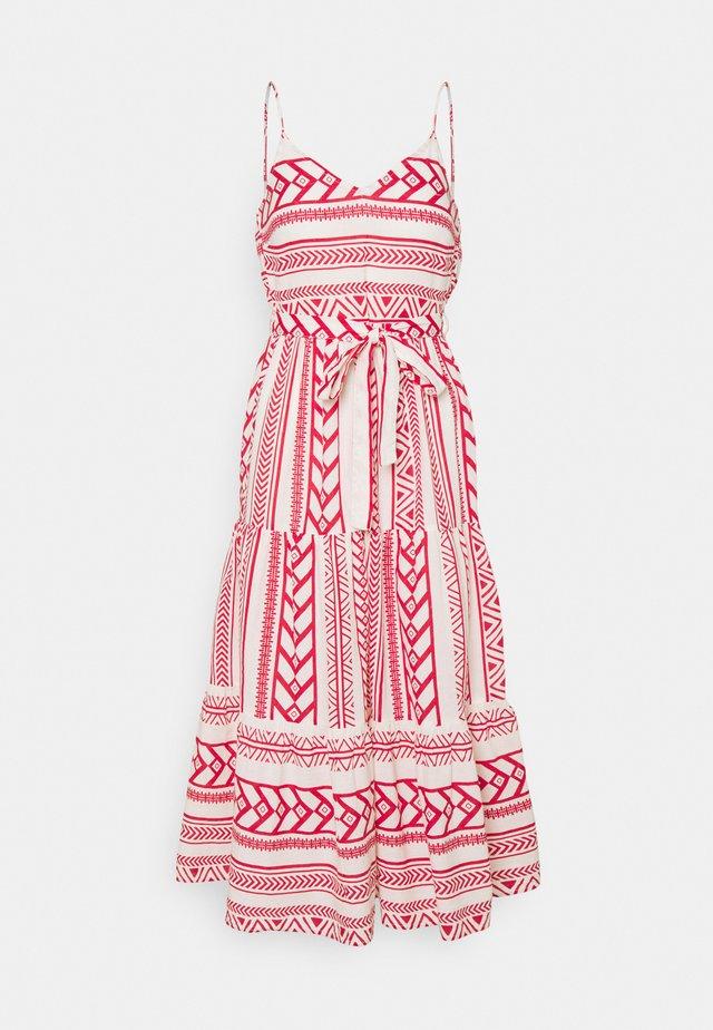 VMDICTHE SINGLET ANCLE DRESS VIP  - Maxi dress - birch/dicthe/goji berry