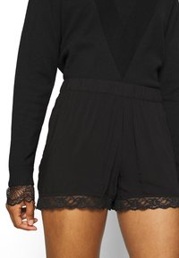 JDY - JDYSUMMER - Shorts - black - 4