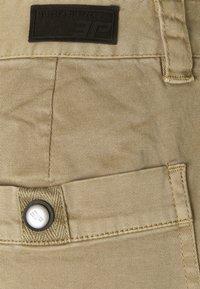 Icepeak - ARTESIA - Sports shorts - beige - 5