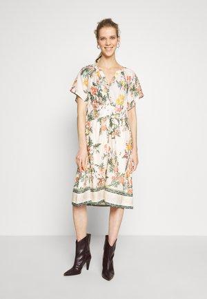 JEANETTA DRESS - Shirt dress - whisper pink