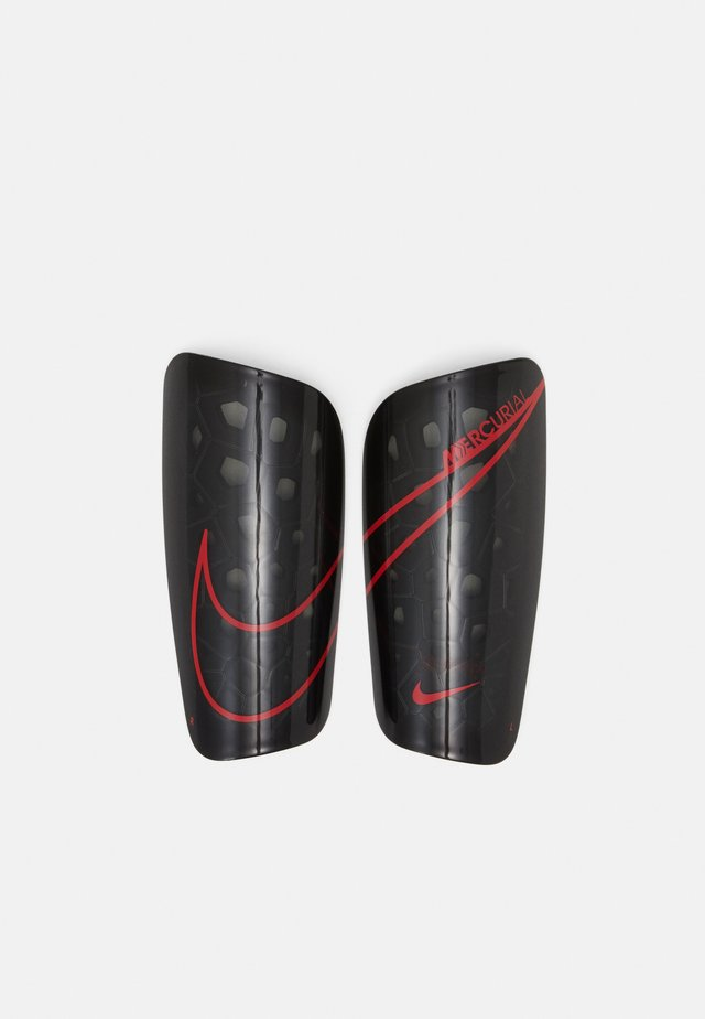 MERCURIAL LITE - Shin pads - black/chile red