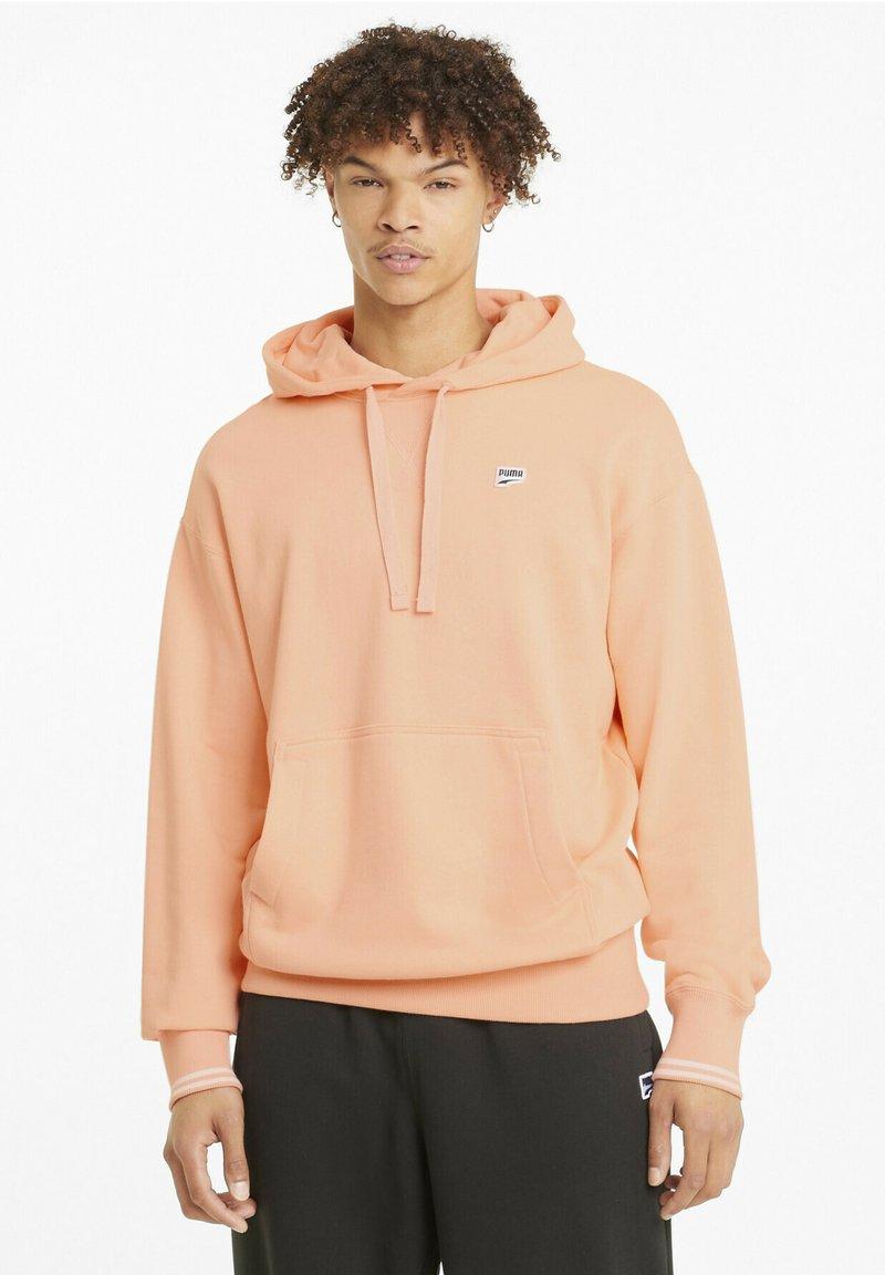 Puma - Downtown  - Hoodie - apricot blush