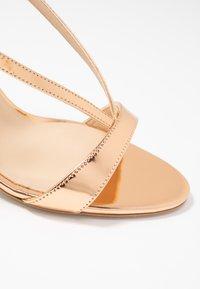 Furla - OCCASION - Sandaler med høye hæler - oro - 2