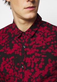 HUGO - ERO - Formální košile - open pink - 5