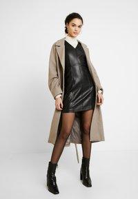 ONLY - ONLLIO DRESS - Etui-jurk - black - 2