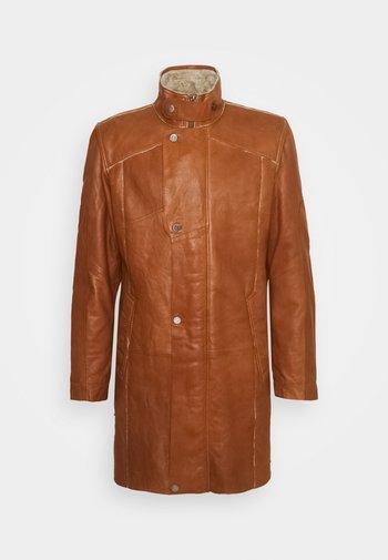 TORBEN - Leather jacket - camel beige