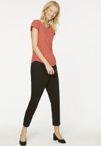ARMEDANGELS - LAALE - Basic T-shirt - mineral red - 1