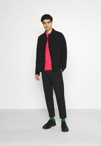 Lyle & Scott - PLAIN - T-shirt - bas - geranium pink - 1