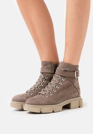 CPH505 - Platform ankle boots - taupe