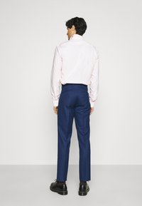 Shelby & Sons - WATERSIDE WITH CHAIN DETAIL - Puku - blue - 5