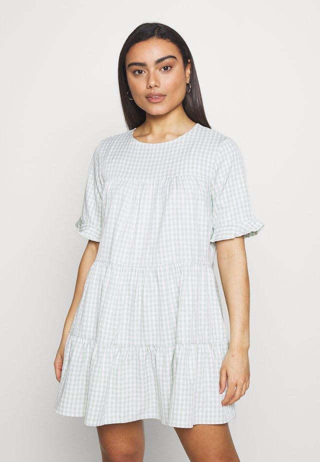 TIERED FRILL SLEEVE SMOCK DRESS GINGHAM - Kjole - mint