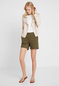 Anna Field - Shorts - olive - 1