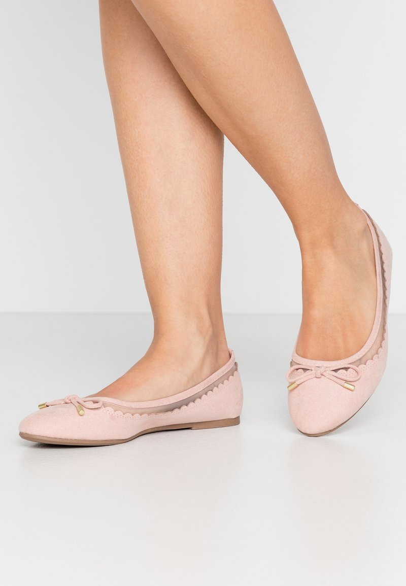 Dorothy Perkins - PIPPA SCALLOP ROUND TOE  - Ballet pumps - blush
