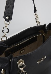 Guess - CHAIN TOTE - Tote bag - black - 3