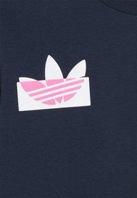 adidas Originals - TREFOIL LOGO JUMPER UNISEX - Sweatshirt - collegiate navy - 2