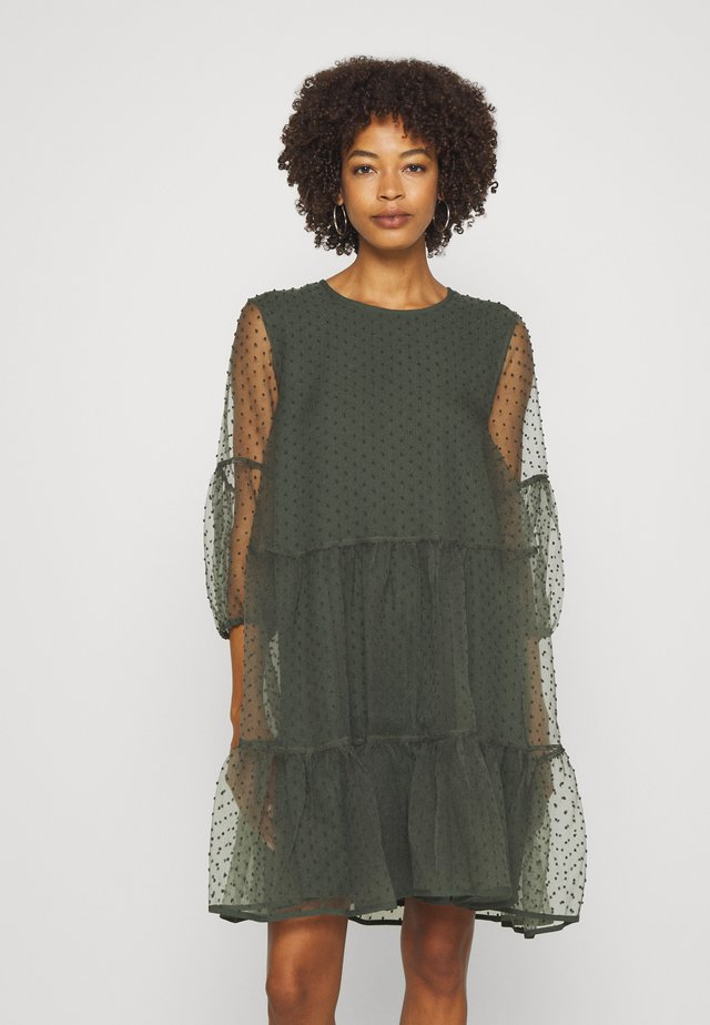 KATERINA DRESS - Juhlamekko - beetle green