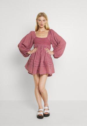 ARI MINI DRESS - Day dress - rose