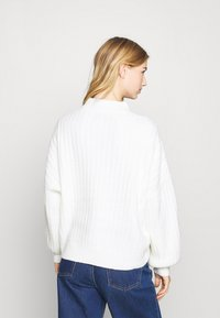 Even&Odd - OVERSIZED WIDE RIB JUMPER - Strikkegenser - off-white - 2