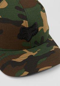 Fox Racing - LEGACY FLEXFIT HAT - Cap - green/black - 2