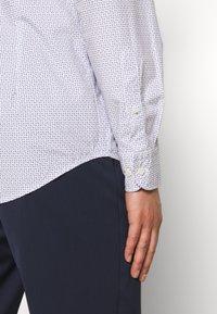 Eton - SLIM FIT - Kostymskjorta - white/blue - 4