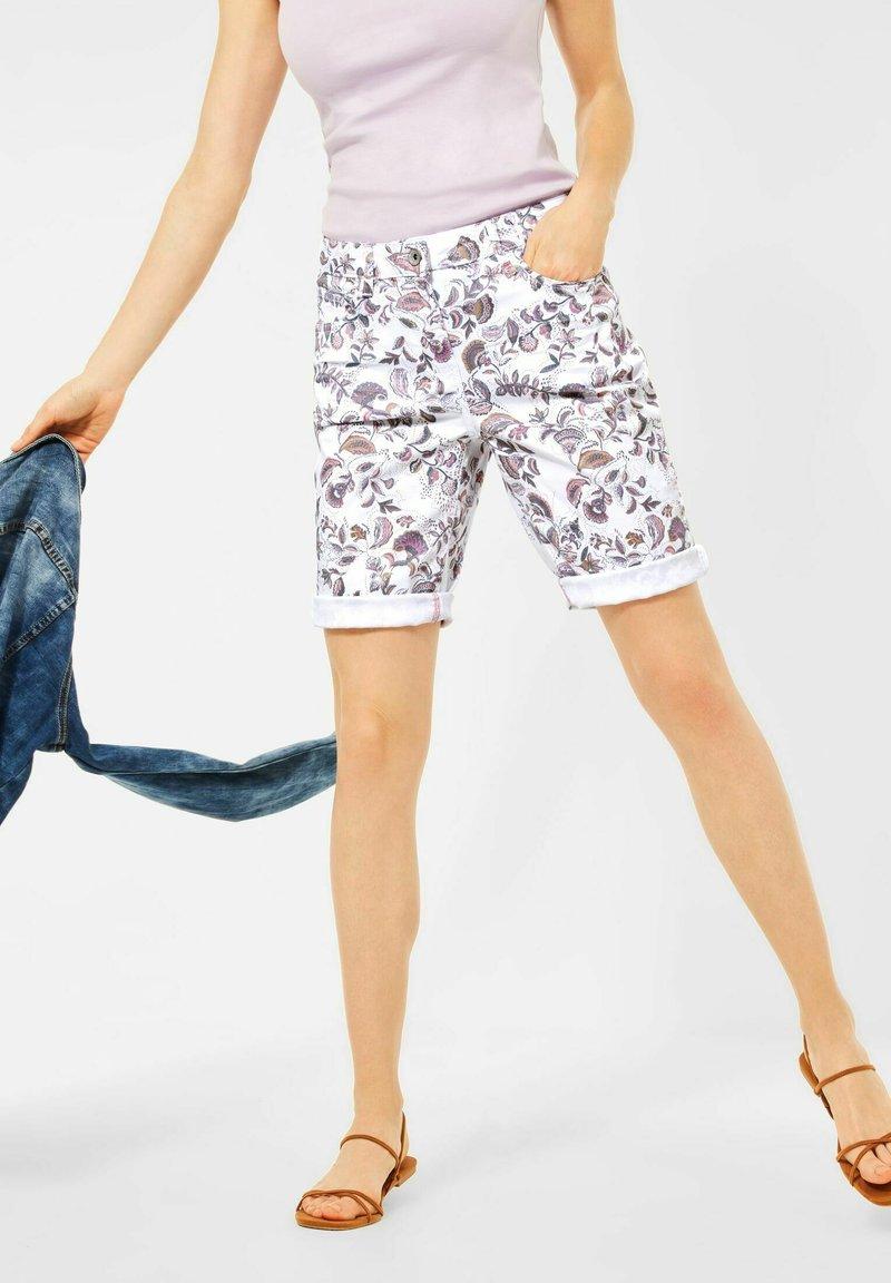 Cecil - Shorts di jeans - weiß