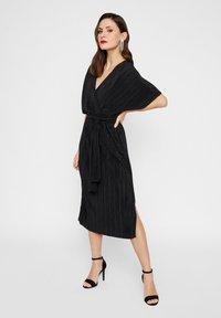 YAS - YASOLINDA  - Korte jurk - black - 0