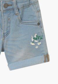 Blue Seven - SMALL GIRLS DAISY - Denim shorts - jeansblau - 2
