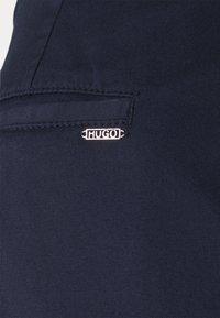 HUGO - HECIA - Chino - open blue - 5