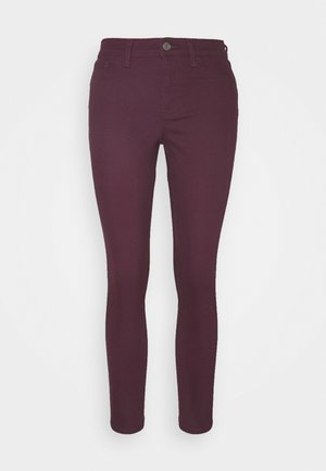 FAVORITE - Jeansy Slim Fit - secret plum
