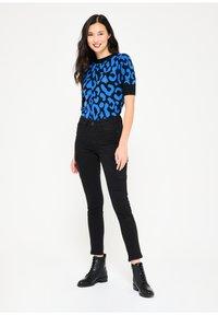LolaLiza - Slim fit jeans - black - 1