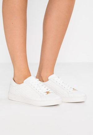 COLBY - Sneaker low - optic white